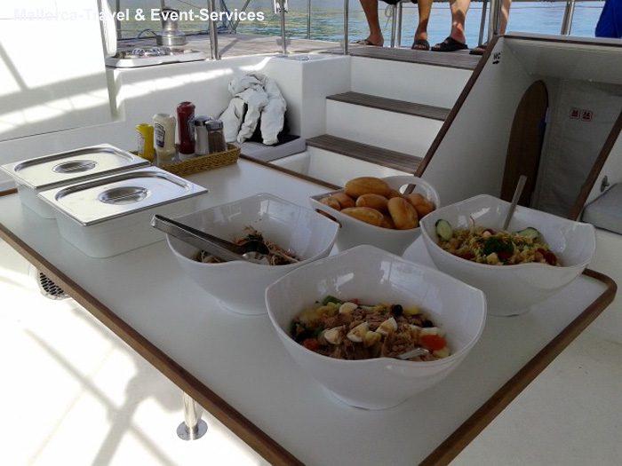 Speisen und Getränke Katamaran Oasis