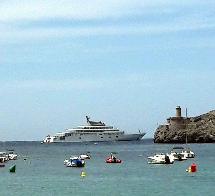 Megayachten vor Mallorca
